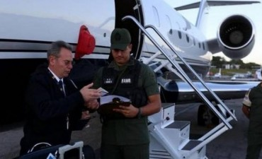 Venezuela retuvo a periodistas en el aeropuerto de Caracas