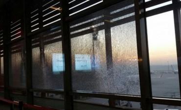 Explosión en un aeropuerto de Estambul dejó un herido y un muerto