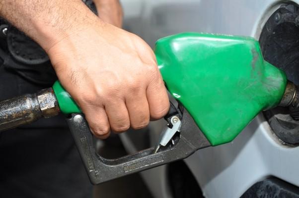 El Gobierno confirma nuevas subas en los combustibles