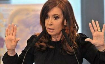 Procesan a Cristina Kirchner por asociación ilícita y la embargan por 10.000 millones de pesos