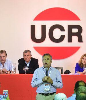 Designan a Cornejo como nuevo presidente de la UCR