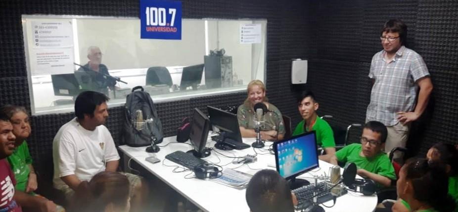Chicos  de Apyfadim  participaron de un Taller de Radio