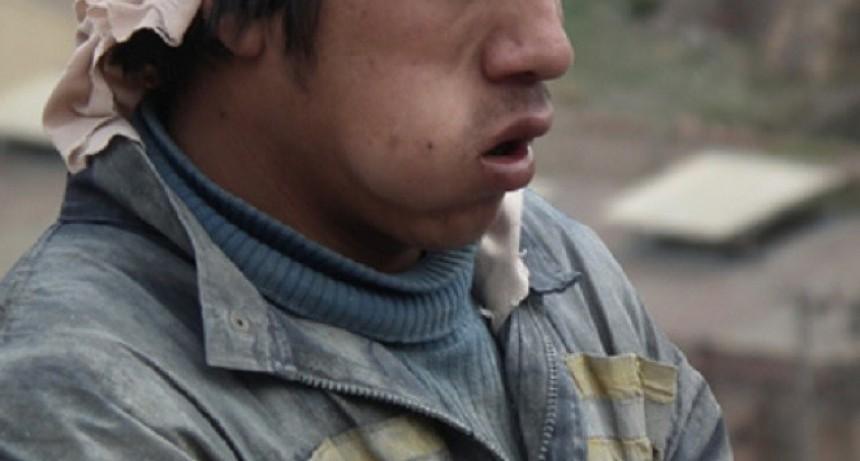 Un albañil murió atragantado con hojas de coca