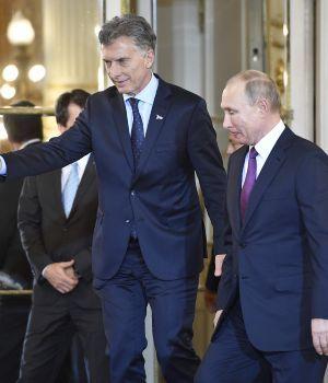 Importante firma de convenios con Putin