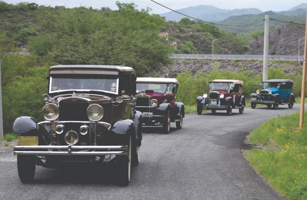 Catamarca vivió un exitoso 2do Encuentro de Autos Clásicos Multimarca