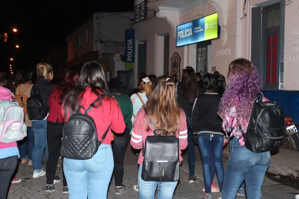 Conmoción en Luján por una violación en manada a una adolescente