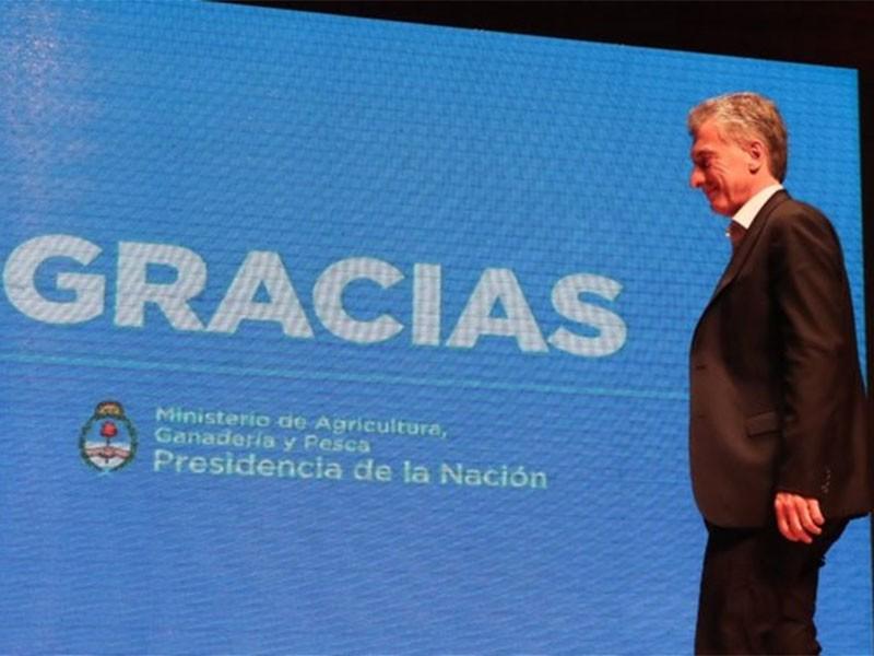 Macri entrega el poder a Fernández en tiempo y forma: un salto para la institucionalidad argentina