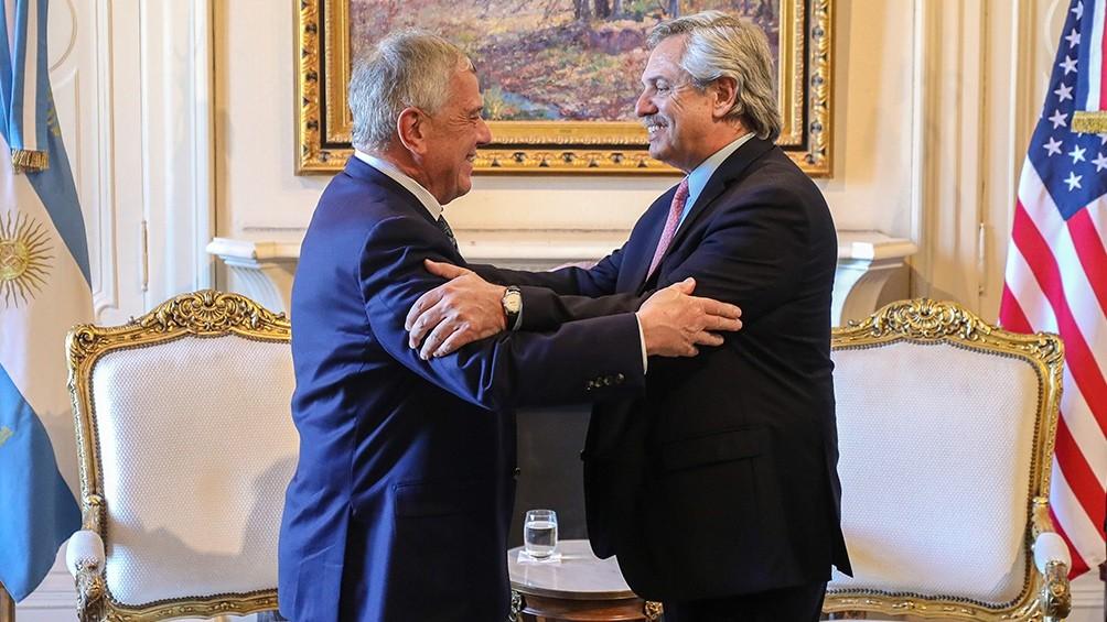 Fernández recibió el apoyo del enviado de EEUU para la negociación con el FMI