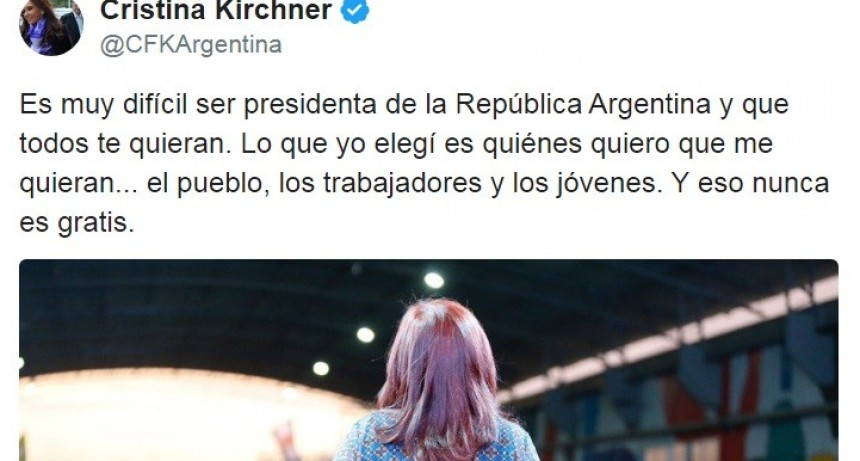 Revuelo en las redes sociales por un tuit de Cristina Kirchner en el que se refirió a sí misma como presidenta