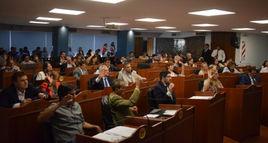 Media sanción a la Ley Impositiva 2020 y la adenda al Consenso Fiscal con Nación