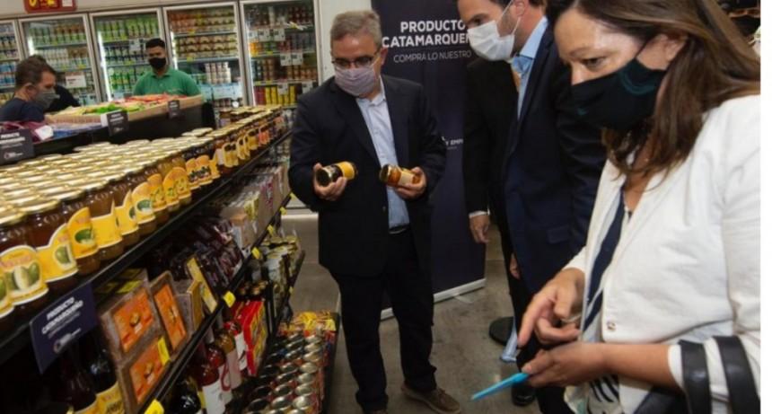 Productos catamarqueños: inauguraron la primera góndola en un hipermercado nacional