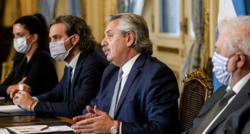 Alberto Fernández adelantó que se vacunarán a 300 mil personas antes de fin de año