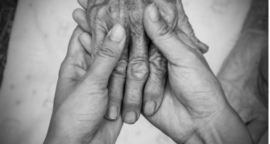 VERGONZOZO: Convivieron con el cuerpo sin vida de su padre por 12 horas en Chaquiago